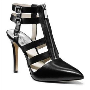 Michael Kors Kennedy T Strap Leather Sandal